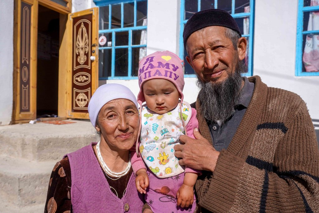 Een familie in Murghab in de Pamirs in Tadzjikistan